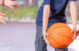 打篮球有哪些技巧